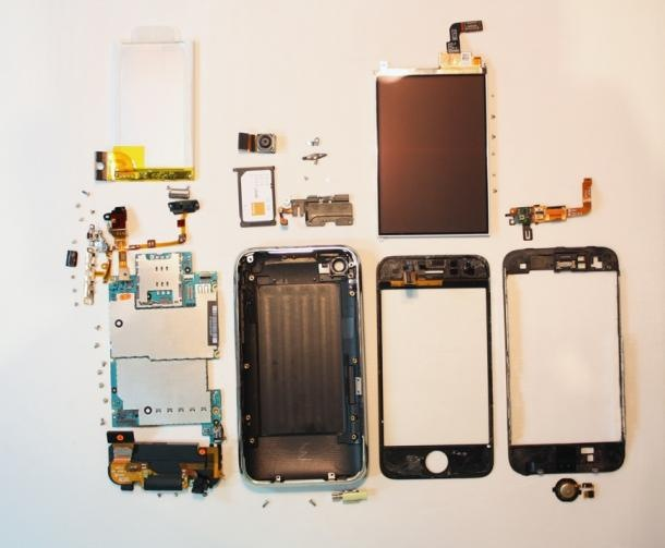 iphone-3g-s-fully-disassembled-small_610x503