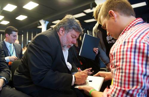 Стив Возняк автографы