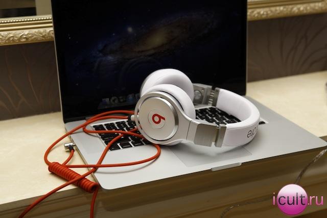 MacBook Pro Retina и наушники Monster Beats by Dr.Dre