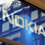 Передняя панель смартфона на Windows 8 от Nokia на фото
