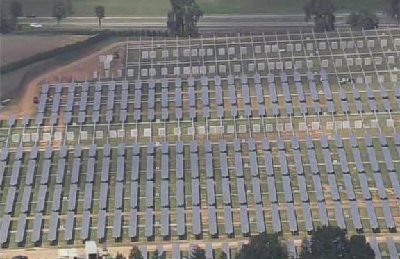Apple достраивает солнечную ферму