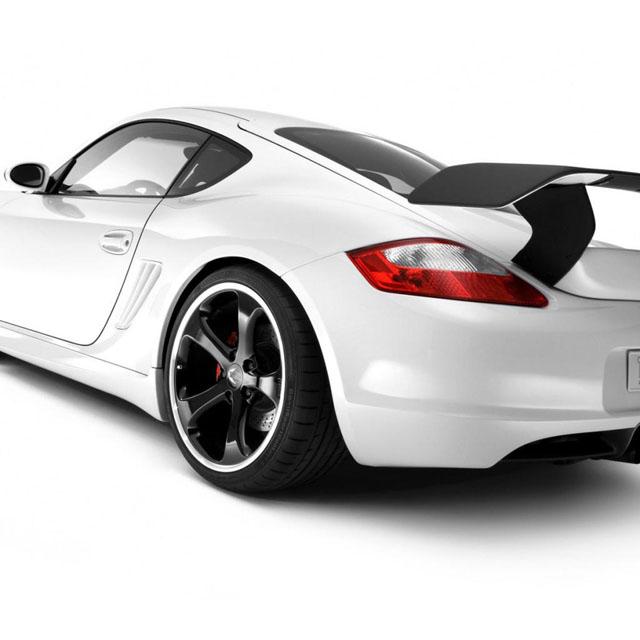 Белый автомобиль в цвет белого iPad
