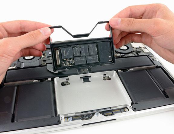 Разбираем MacBook Pro 13 Retina