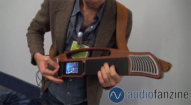 Музыкальный инструмент из iPhone