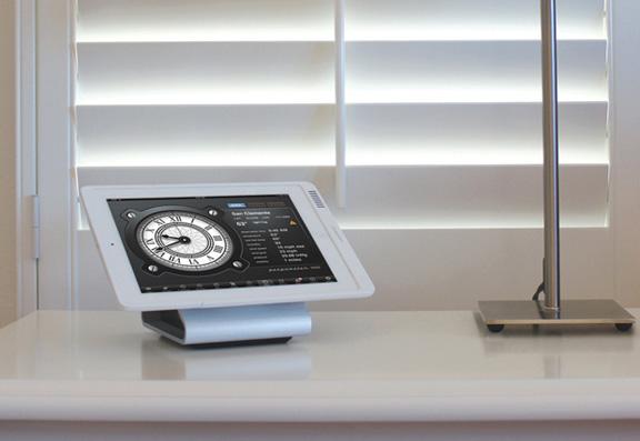 Настольная беспроводная зарядка для iPad