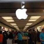 Бывшие работники Apple Store подали коллективный иск на яблочную компанию
