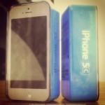 Фото iPhone 5C в упаковке
