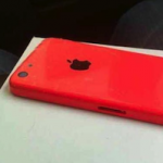 Красный корпус iPhone 5C на фотографиях