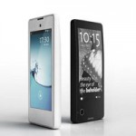 В России стартовали продажи YotaPhone за 19 900 рублей