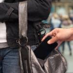 Правительство США требует усилить защиту смартфонов от воров
