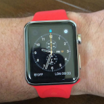 Уилл Карлинг похвастался Apple Watch с эксклюзивным красным ремешком