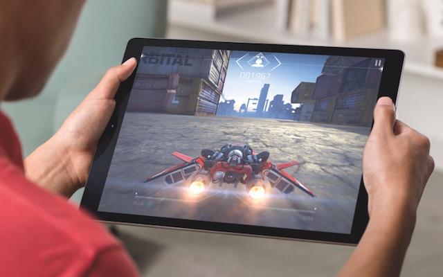 iPad-Pro-gaming-lifestyle-003