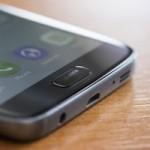 Пользователи жалуются на быстро царапающийся сканер отпечатков в Galaxy S7