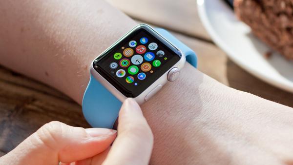 Apple_Watch_Lifestyle_1