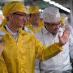 Трамп сообщил о том, что Apple построит три новых завода в США