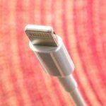 Apple могут заставить отказаться от Lightning