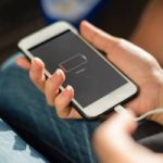 Пользователи iPhone жалуются на проблемы с зарядкой