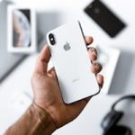 Новые iPhone могут получить функцию реверсивной зарядки