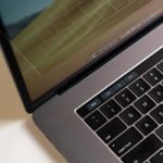Режиссер Тайка Вайтити раскритиковал клавиатуры MacBook