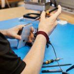 Apple начнет поставлять фирменные детали для ремонта своих устройств в независимые сервисные центры