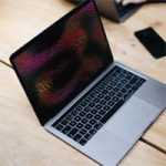 Пользователи MacBook с чипом M1 жалуются на ошибку с заставкой в macOS Big Sur