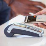 iPhone может научиться выбирать платежную карту в Apple Pay в зависимости от местоположения