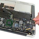 Хакеры помогли сервисам разобраться в ремонте материнских плат MacBook